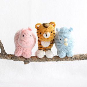 Hobbes Amigurumi - Tiger Crochet Pattern - Free - Ami Amour   300x300
